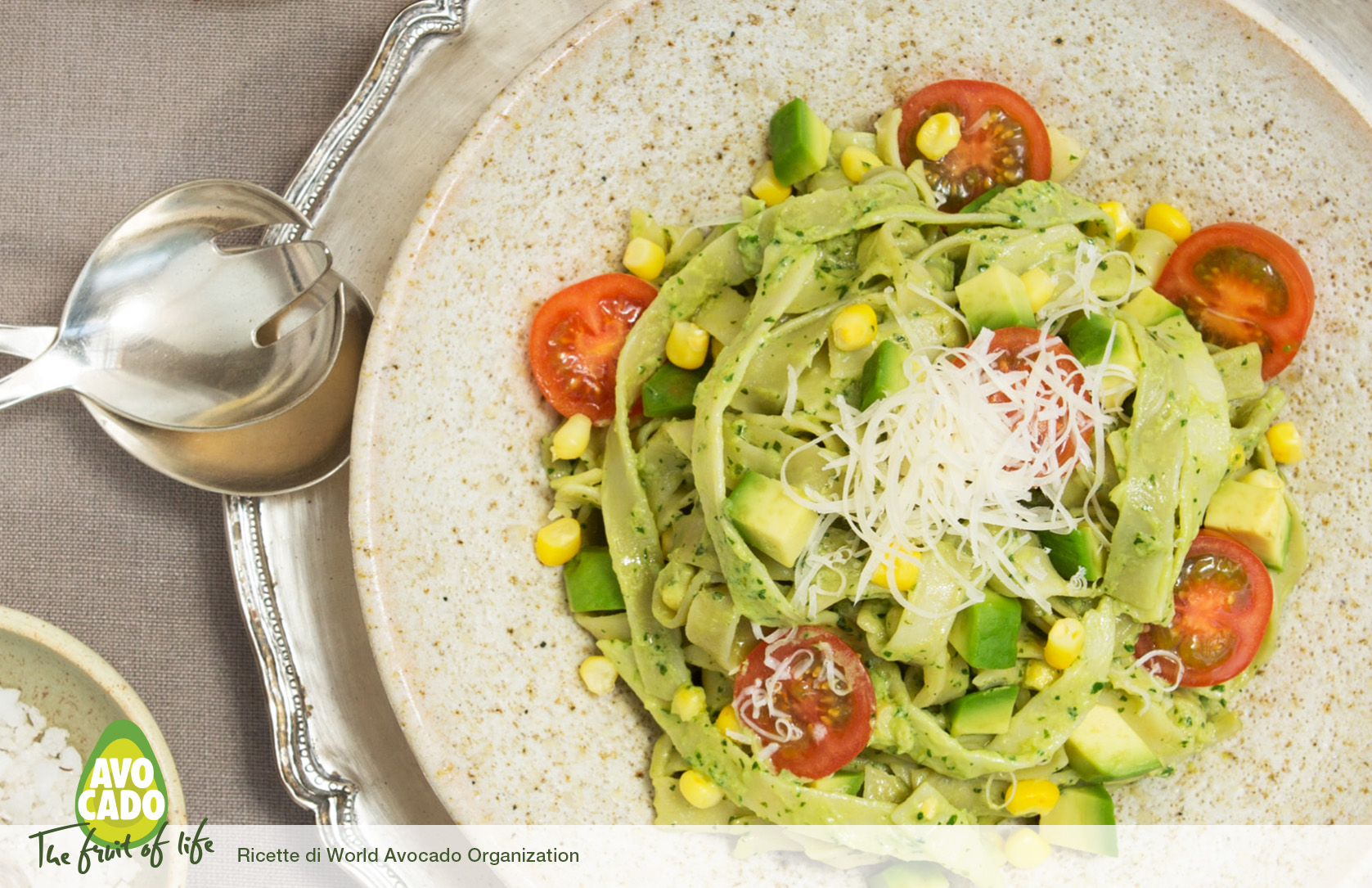 Tagliatelle con salsa all'avocado