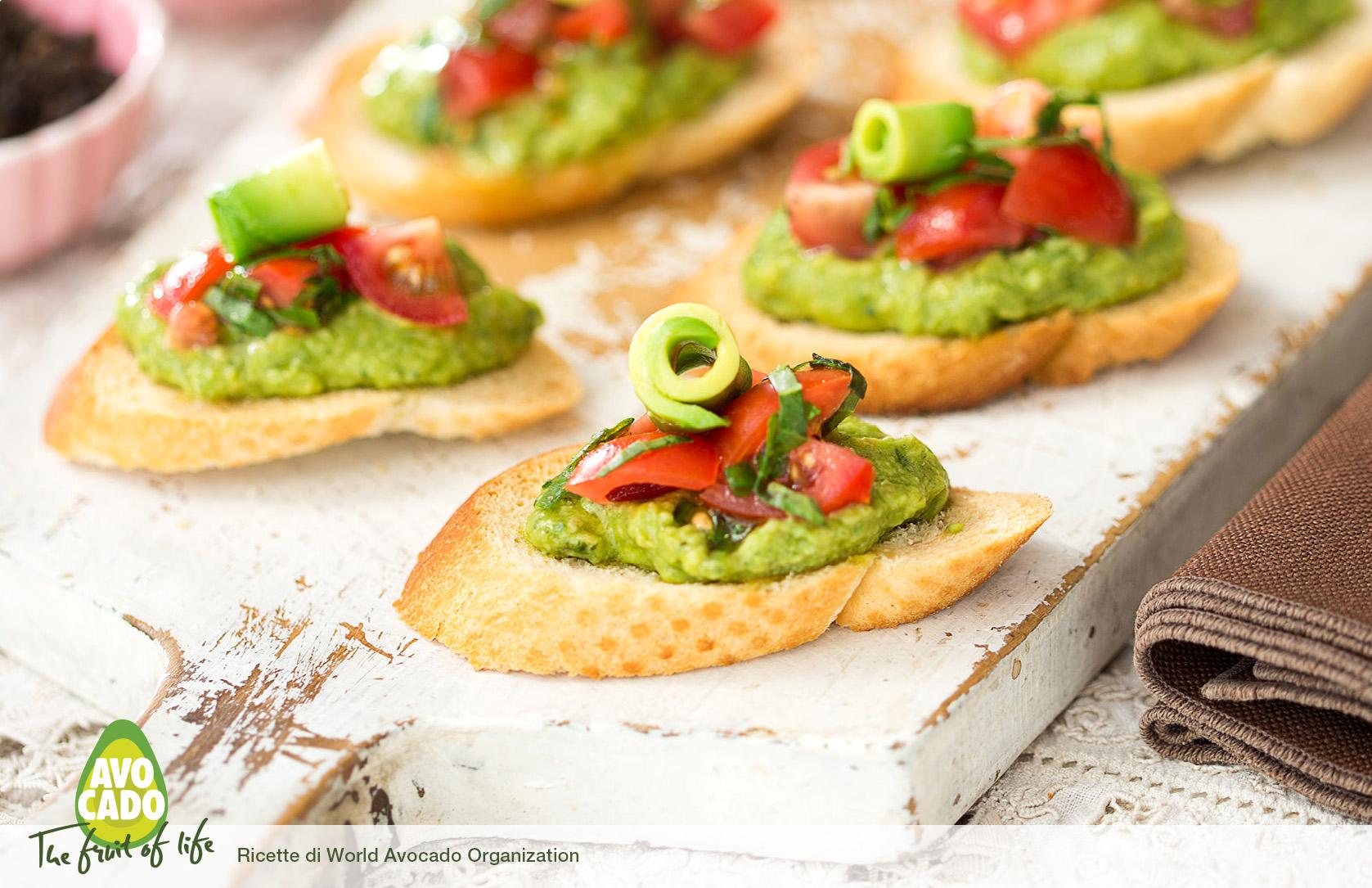 Crostino di pesto di avocado