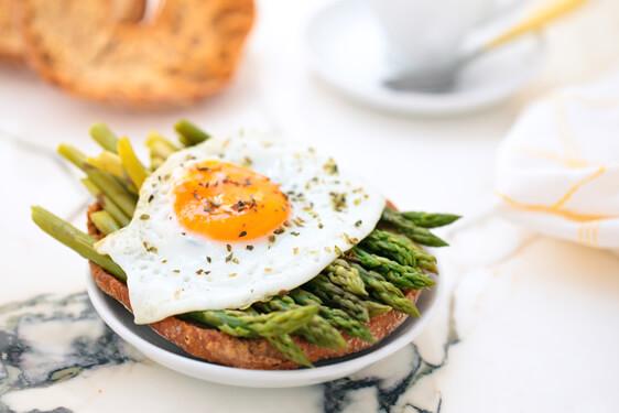 Friselle con Asparagi e uova