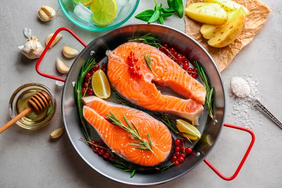 Tranci di salmone in salsa di ribes