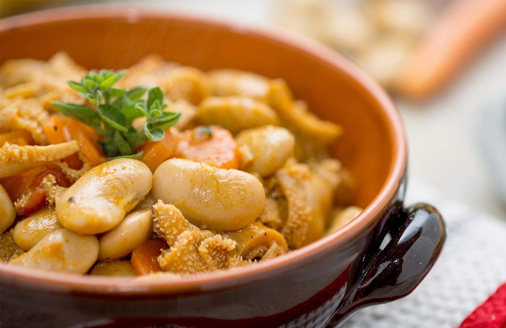 Zuppa di fagioli con trippa e cotenne